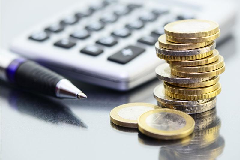 Versicherungen – Finanzdienstleistung – Banken – Bausparkassen - Immobilien